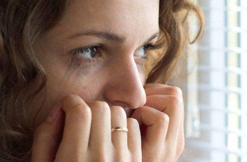 Νυχτερινές κρίσεις πανικού: αιτίες και αντιμετώπιση, ποιοι υποφέρουν