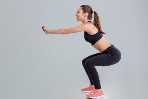 Οι 9 πιο αποτελεσματικές ασκήσεις για σφιχτούς γλουτούς και πόδια, βουλγάρικα καθίσματα