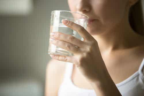 Διαταραχές που θεραπεύονται πίνοντας περισσότερο νερό κάθε μέρα