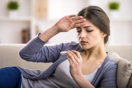 7 συμπτώματα της σκωληκοειδίτιδας, πυρετός