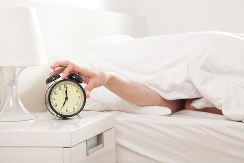 Τα 6 πρωινά λάθη που κάνετε τα οποία αποτρέπουν την απώλεια βάρους, παραπάνω ύπνος
