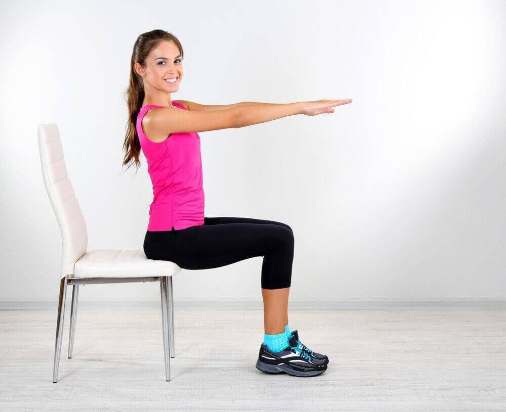 7 ασκήσεις για πιο αδύνατη μέση σε χρόνο μηδέν, κορμός
