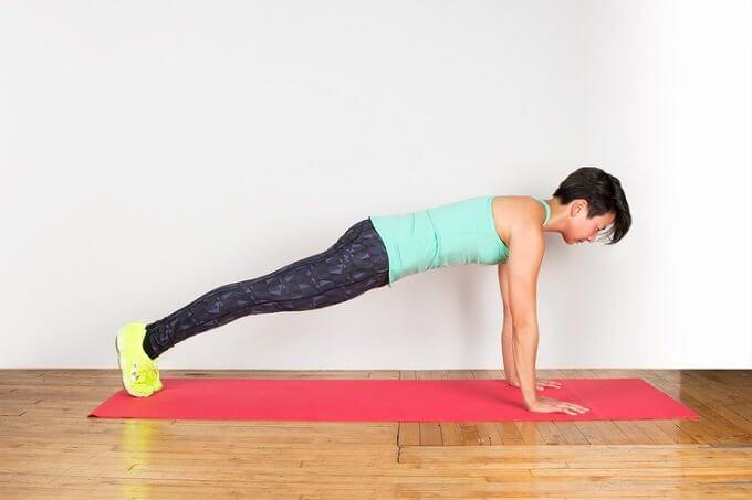 7 ασκήσεις για πιο αδύνατη μέση σε χρόνο μηδέν, σανίδα