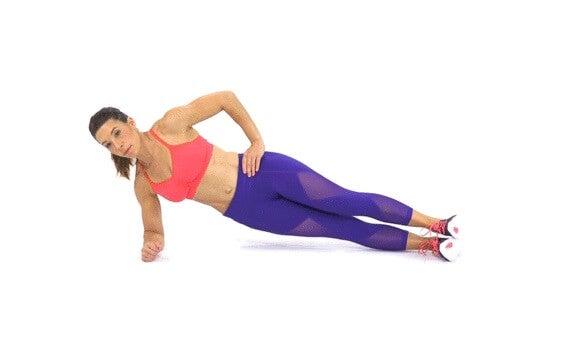 Ασκήσεις για να εξαφανίσετε το λίπος από τα μπράτσα, πλάγια σανίδα