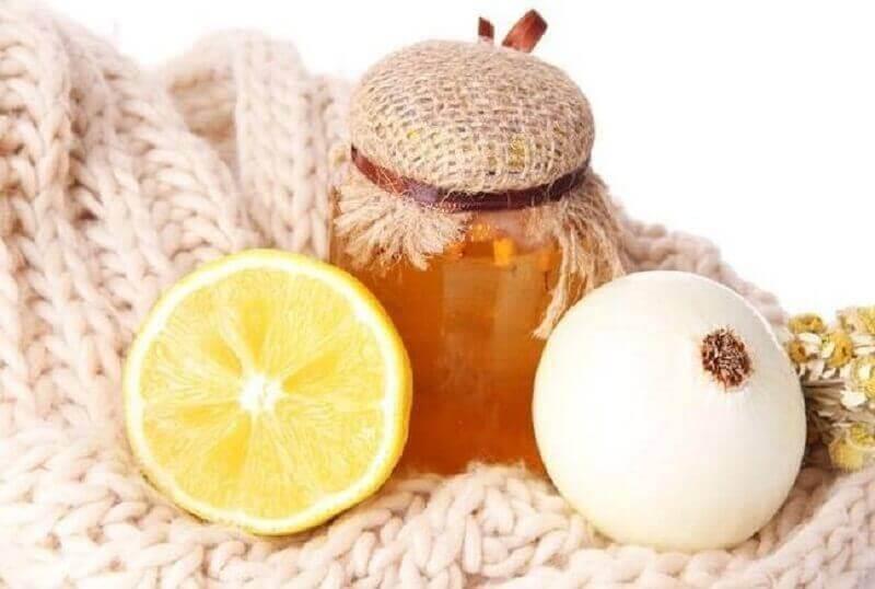 Φυσική καταπολέμηση του βήχα με κρεμμύδι και μέλι