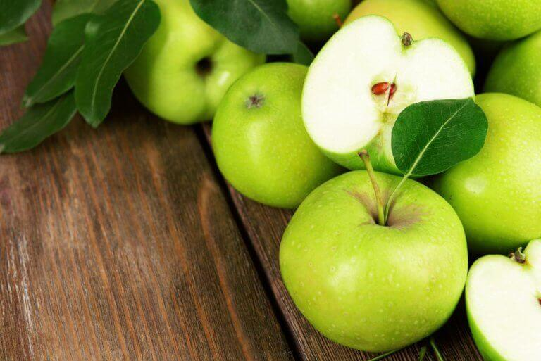 Θρεπτικές σαλάτες με πράσινο μήλο