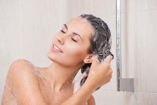 Σπιτικά σαμπουάν για κάθε τύπο μαλλιών, κανονικά μαλλιά