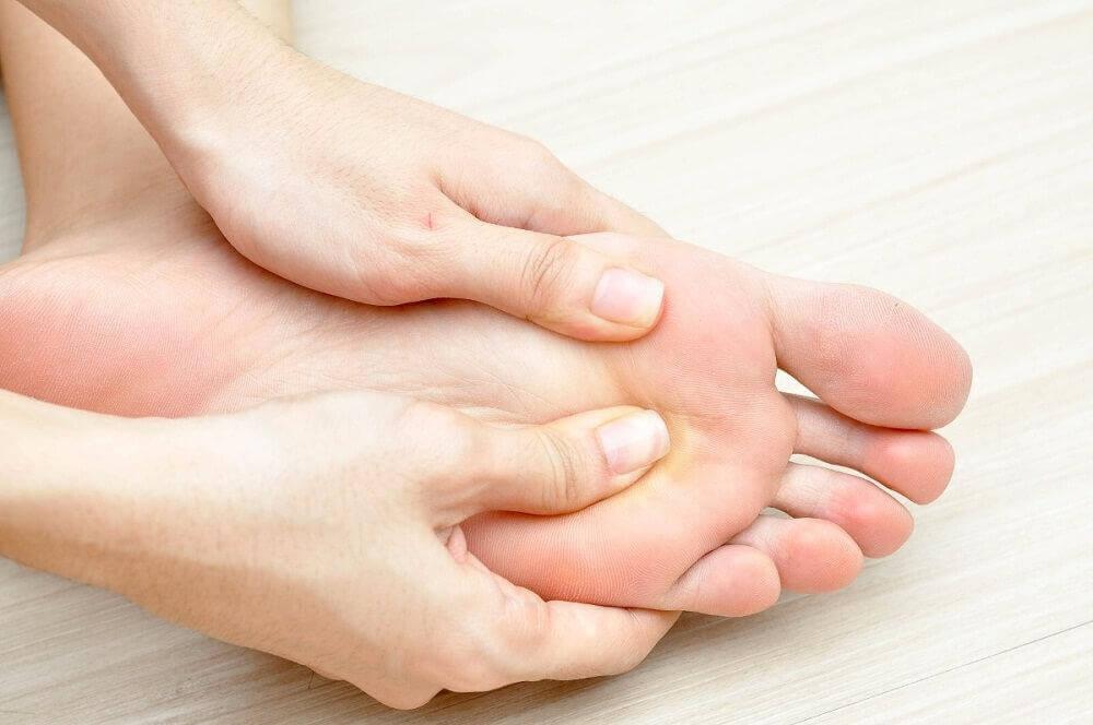 Τα 10 αρχικά συμπτώματα του διαβήτη που δε μπορείτε ν' αγνοήσετε, προβλήματα με τα πόδια