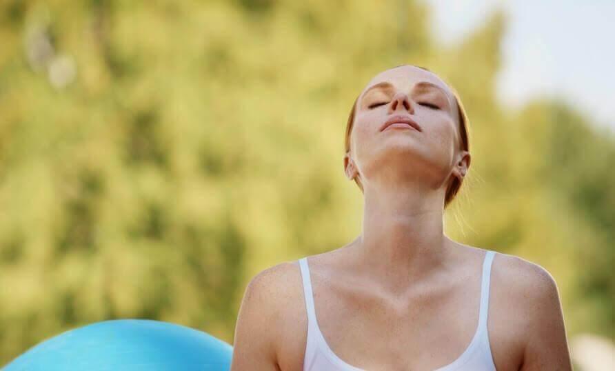 Τα σημεία κλειδιά για να ηρεμήσετε από τις κρίσεις αγωνίας, έλεγχος αναπνοής