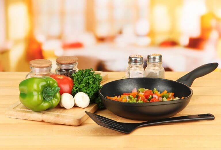 Συμβουλές για να μειώσετε την κακή χοληστερόλη - Λαχανικά και τηγάνι