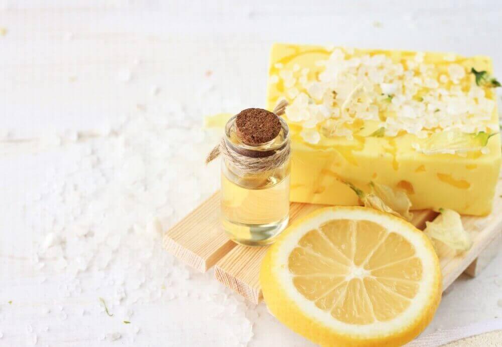 Λεμόνι και ζάχαρη