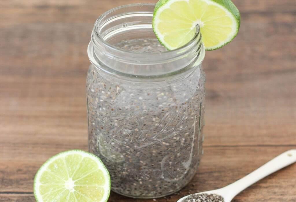 Φυσικές θεραπείες για την κατάθλιψη - Σπόροι chia σε βάζο και λεμόνι