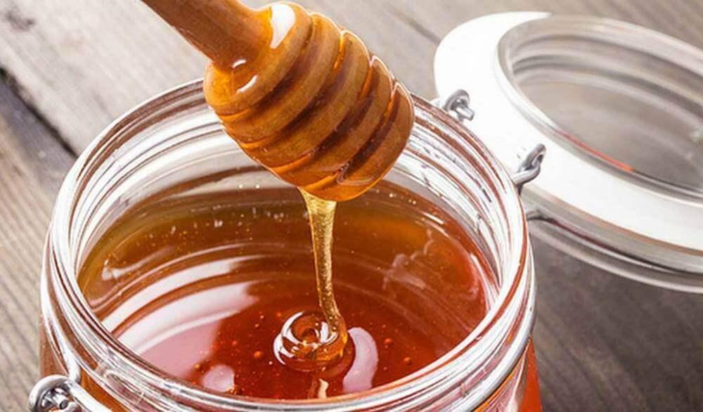 Μέλι σε βάζο