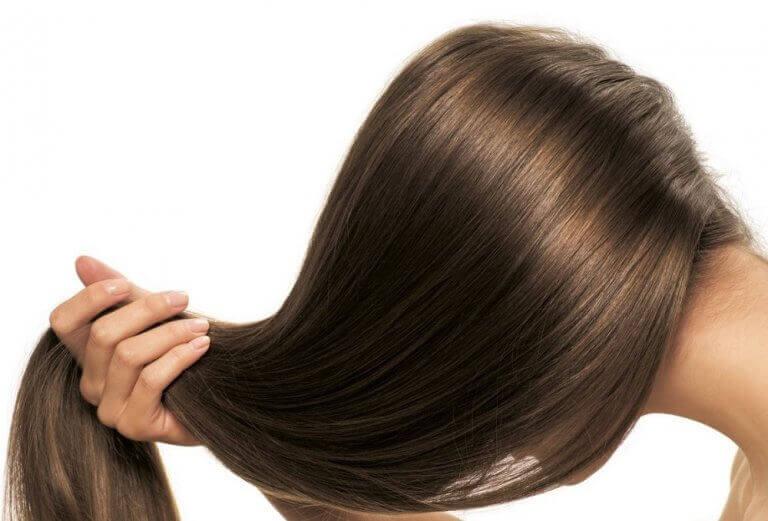 Δεντρολίβανο στα μαλλιά - Λαμπερά μαλλιά
