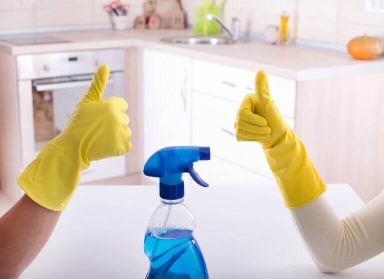 Οι καλύτεροι τρόποι για να απολυμάνετε το μπάνιο σας