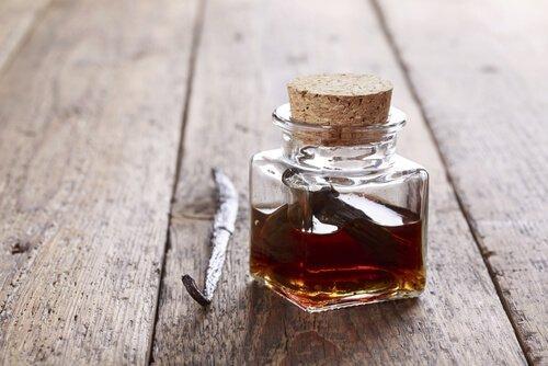 βανίλια σε γυάλινο μπουκάλι