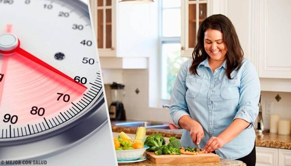 Τύποι παχυσαρκίας - Παχύσαρκη γυναίκα μαγειρεύει