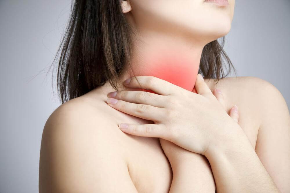 μυϊκή ένταση στον λαιμό οζίδια στις φωνητικές χορδές
