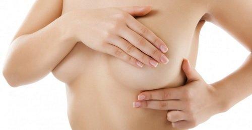 οφέλη του κουρκουμά - πόνος στο στήθος