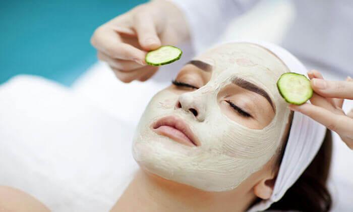 για υγιές δέρμα αγγούρι και κρέμα στο πρόσωπο