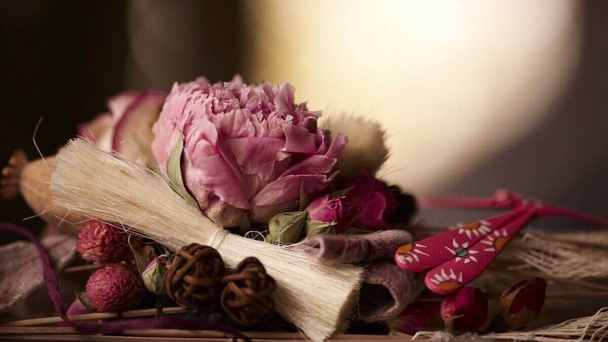 αρωματίστε το σπίτι λουλούδια αποξηραμένα