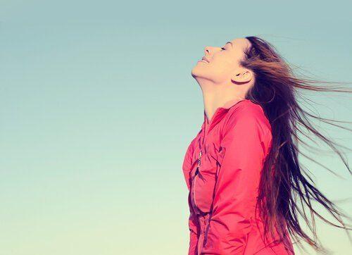Εύκολο αδυνάτισμα - Γυναίκα αναπνέει