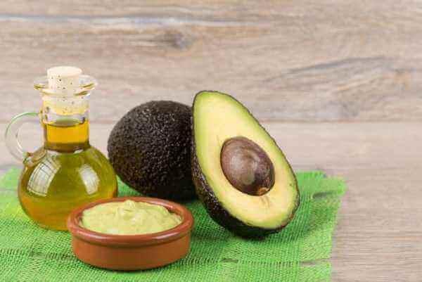 Χρησιμοποιήστε το κουκούτσι του αβοκάντο για ν' αντιμετωπίσετε την κυτταρίτιδα, κουκούτσι, βρώμη και αμυγδαλέλαιο