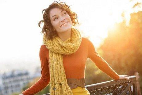 γυναίκα που χαμογελάει