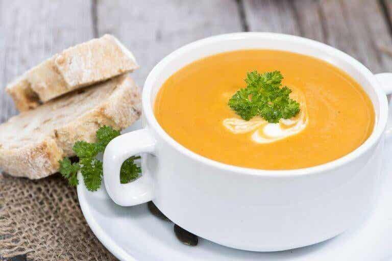 Ποια κρεμώδης σούπα λαχανικών είναι η πιο υγιεινή;
