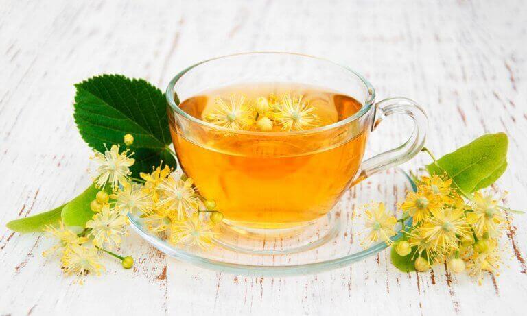 τσάι, ύπνος από τα αφεψήματα για να κοιμηθείτε καλύτερα