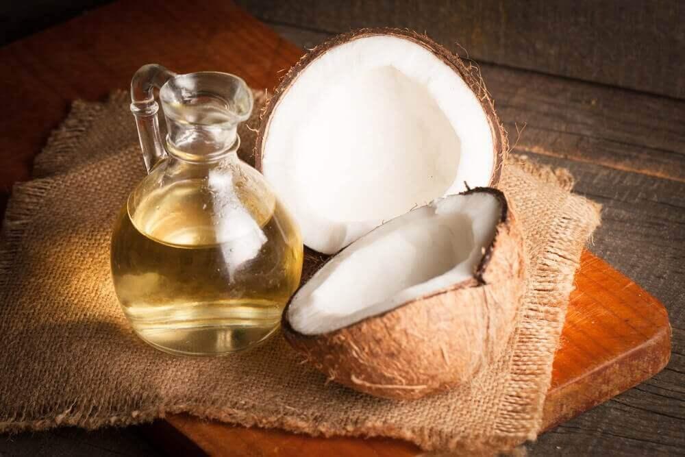 λάδι καρύδας και καρύδα-θεραπείες για την επιπεφυκίτιδα