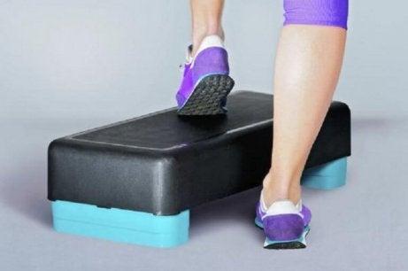 γόνατα Ασκήσεις για την ενδυνάμωση του γονάτου