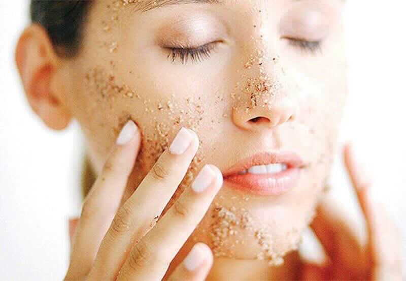 μάσκα σε γυναίκείο πρόσωπο, θεραπεία των ρυτίδων