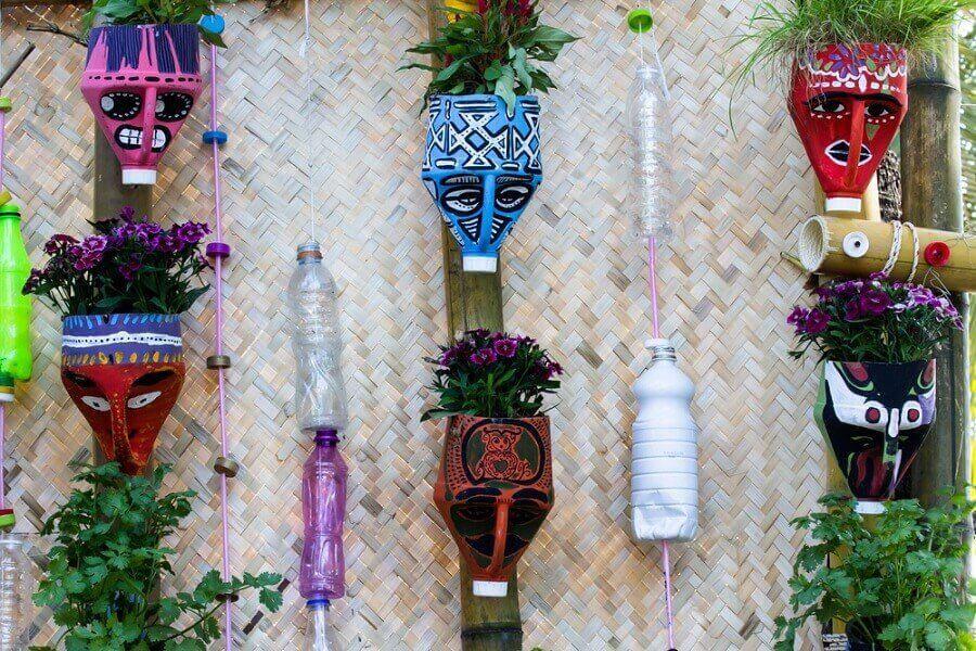 Φτιάξτε υπέροχες γλάστρες χρησιμοποιώντας ανακυκλώσιμα υλικά!