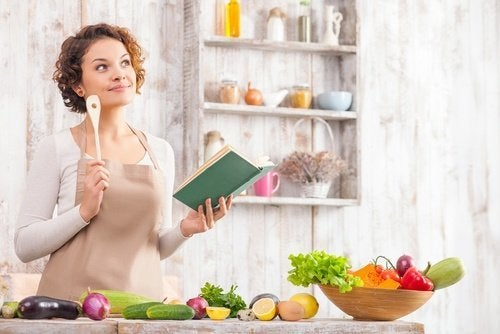 γυναικα που μαγειρευει - χάσετε 4 κιλά