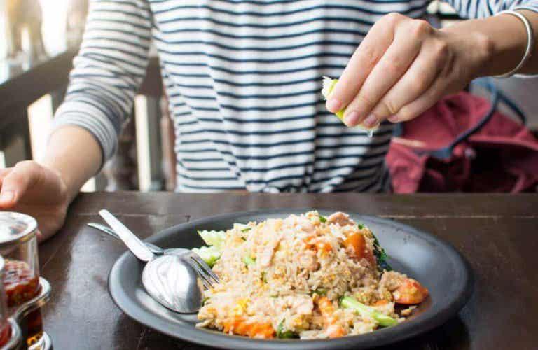 3 τρόποι για να μαγειρέψετε υγιεινό και νόστιμο σπιτικό ρύζι