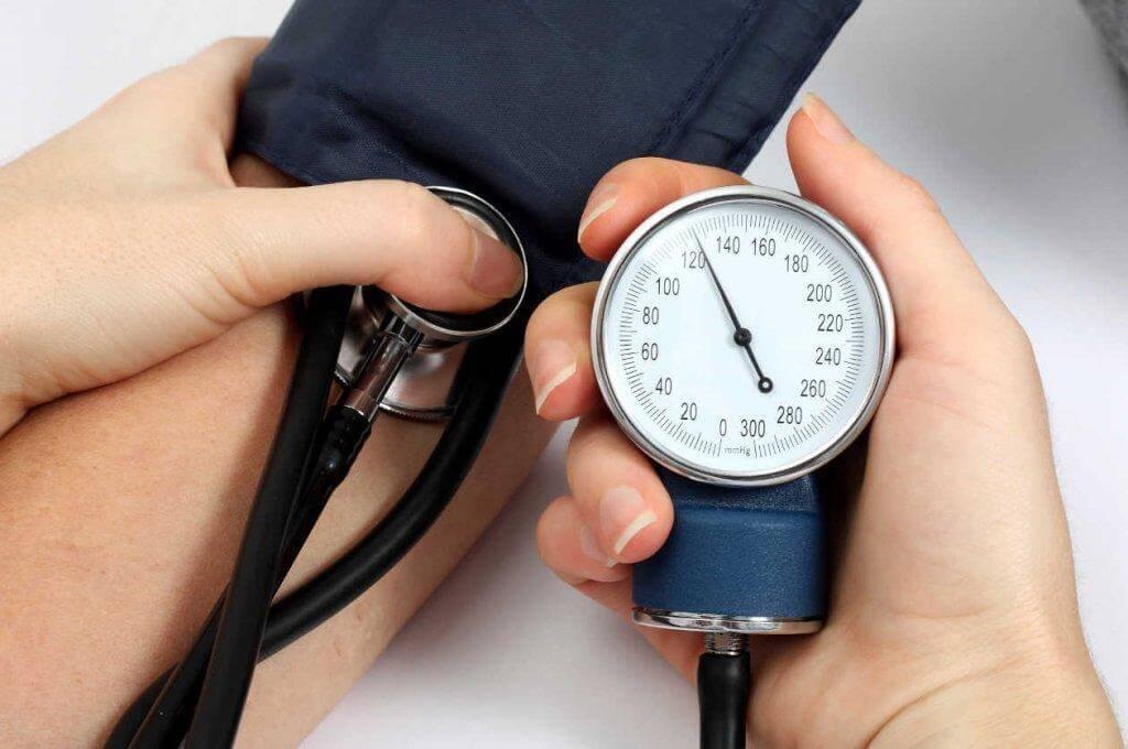 5 φυσικές θεραπείες για την υψηλή πίεση