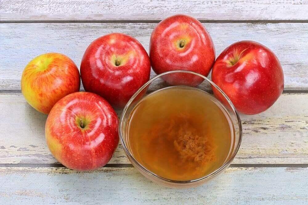 μήλα και μηλόξυδο