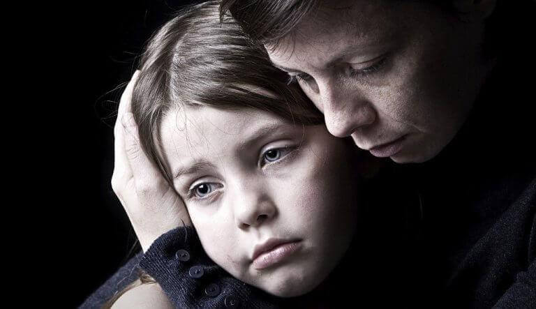 ναρκισσιστική μητέρα - αρνητικότητα