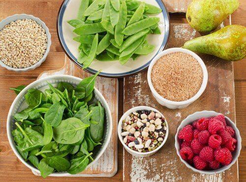 βελτιώσουν τη διάθεσή σας σπανάκι και φασόλια ξηροί καρποί και βατόμουρα