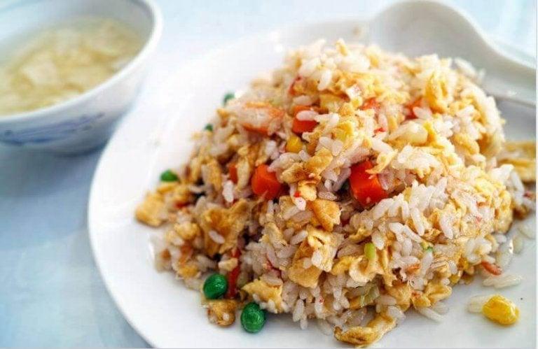 Νόστιμη συνταγή με κινέζικο ρύζι. Δοκιμάστε το
