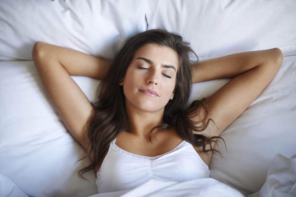 Γυναίκα που κοιμάται, καταπολέμηση της θλίψης.