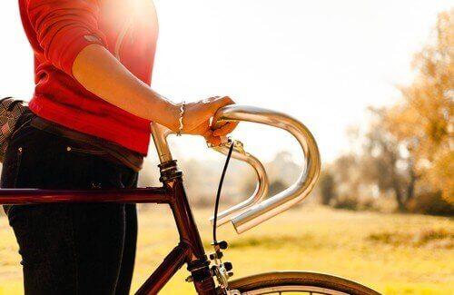Γυναίκα με ποδήλατο, καταπολέμηση της θλίψης.