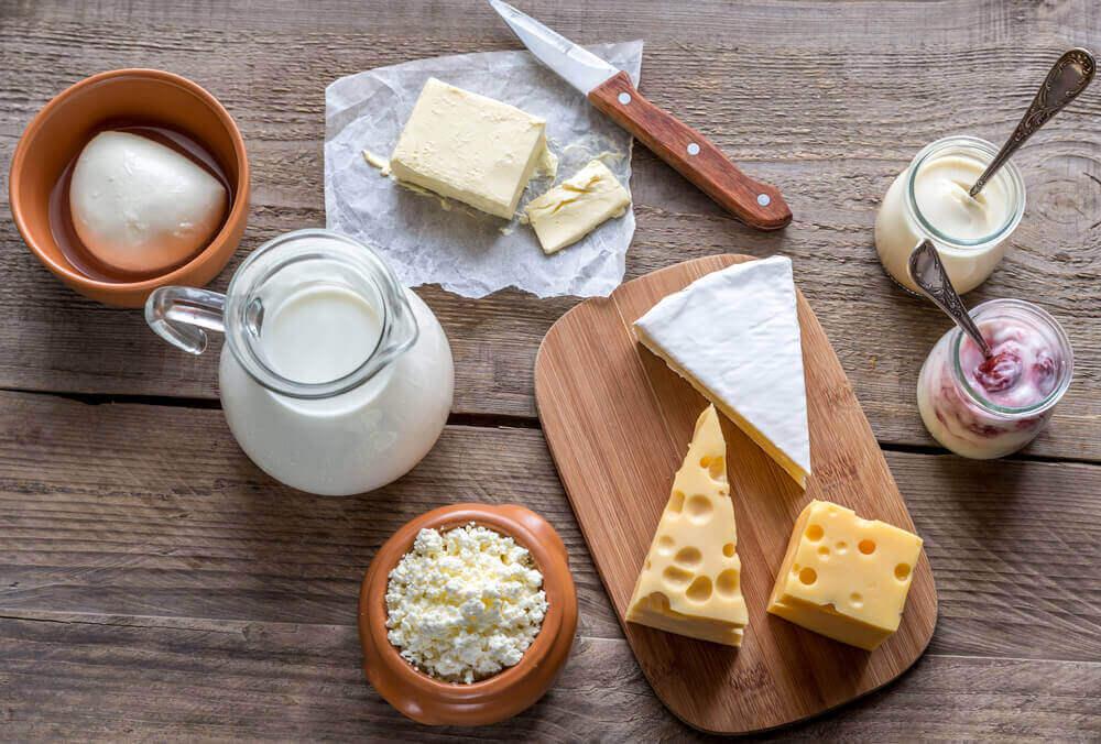 Όμορφο δέρμα - Διάφορα είδη τυριού και γιαούρτι