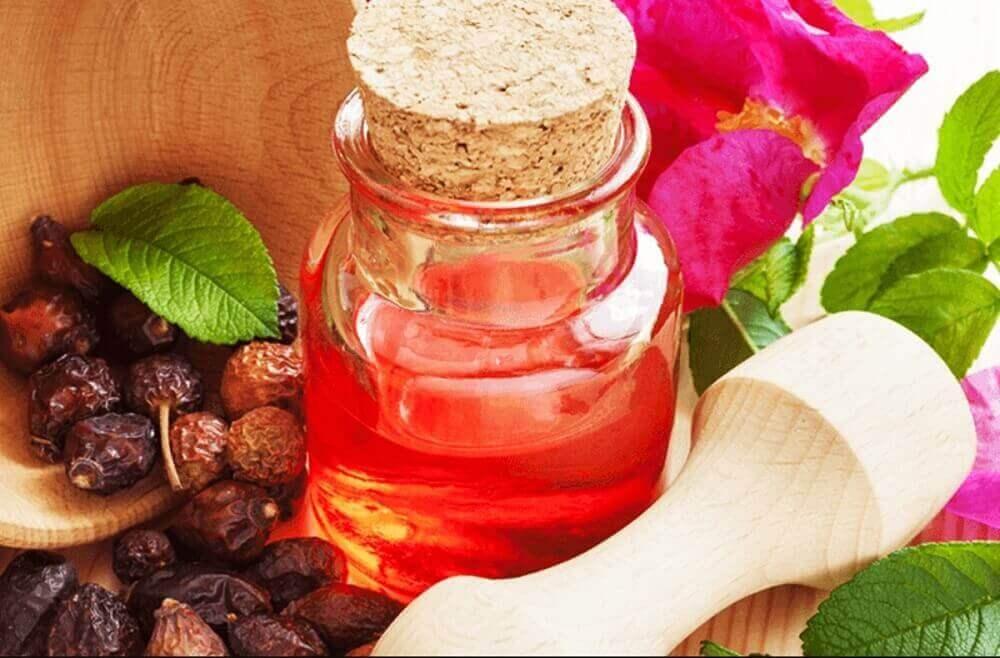 Ξηρές φτέρνες - Αγριοτριαντάφυλλο σε μπουκάλι