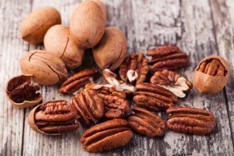 Γιατί πρέπει να βάλετε ξηρούς καρπούς στην διατροφή σας;