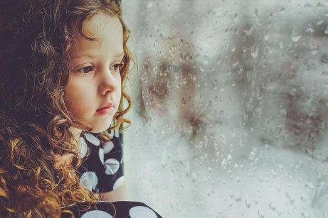 Τι συνέπειες έχει η έλλειψη αγάπης κατά την παιδική ηλικία;