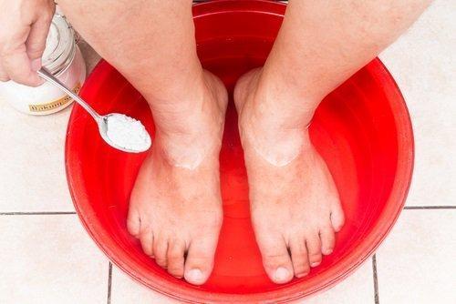 Φροντίδα των ποδιών με ποδόλουτρα