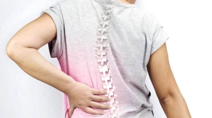 Πόνος στην πλάτη - σκολίωση