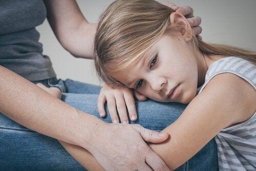 καλή σχέση μητέρας-παιδιού , στήριξη
